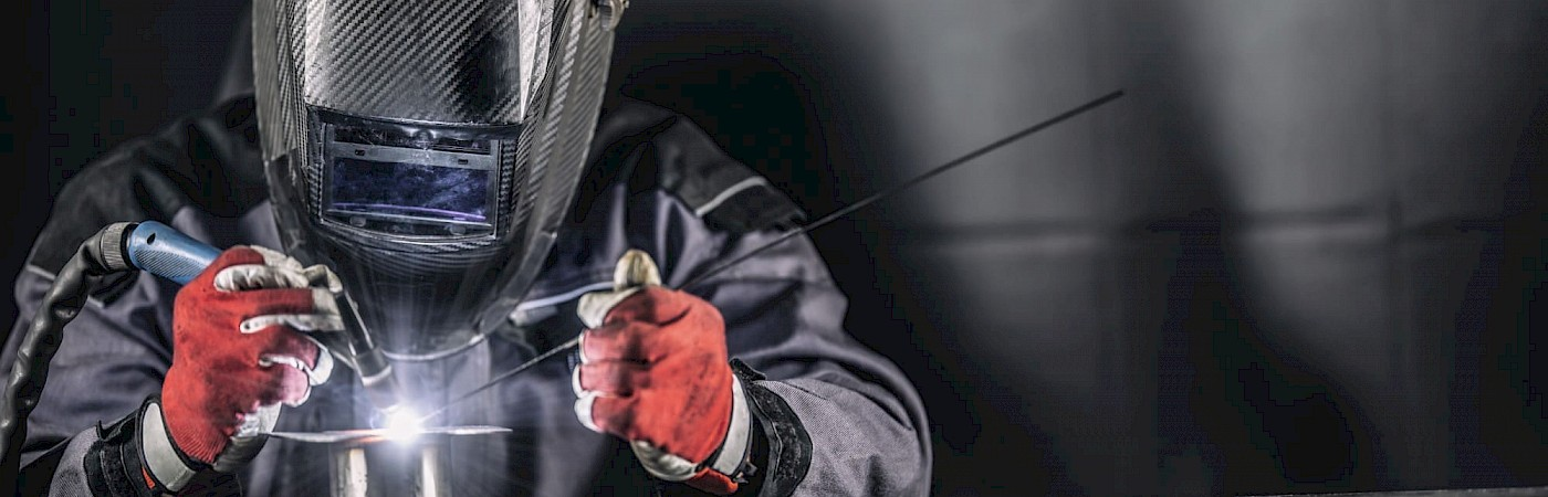 <h2><strong>Did you know? </strong></h2>  <p><strong>We have been Engineering since 1905 </strong></p>  <p>We are a team of highly experienced engineers, pipe fitters, coded welders, fabricators, slingers/banks men and confined space operatives</p>